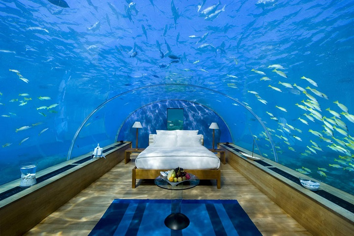 Weirdest Hotels - Jules Undersea Lodge